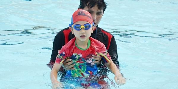 yio chu kang swimming lesson